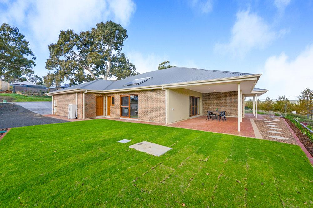 Modern brick veneer three bedroom home in Mount Barker built by Shire Homes